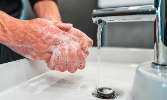 لیز و لزج شدن دست بعد از شستشو